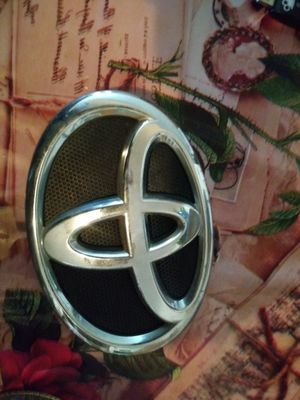Front Camry Emblem for Sale in Santa Monica, CA