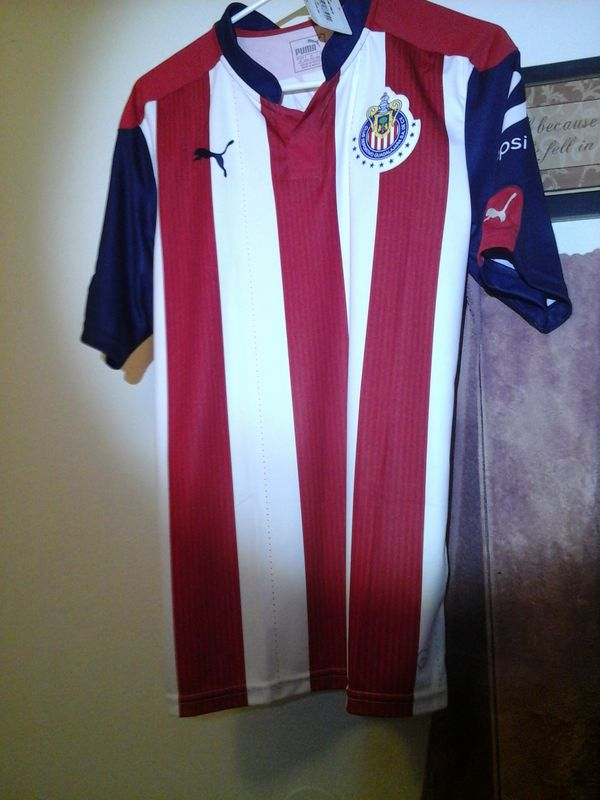67277905569 Authentic PUMA chivas home jersey $25 mens small for Sale in Glendale, AZ -  OfferUp
