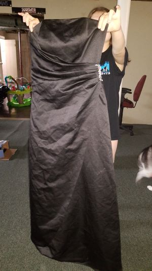 Bridesmaid dress size 6 for Sale in Cleveland, OH