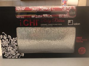 I.CHI hairstyling iron for Sale in Cleveland, OH