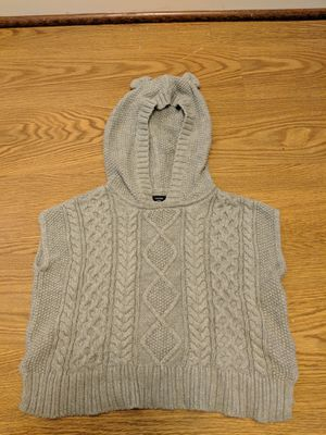 Gap girl poncho size 3 for Sale in Rockville, MD