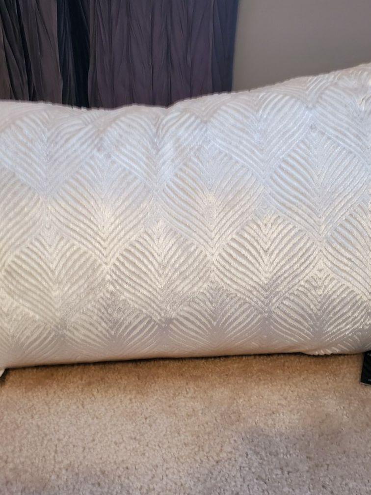 🔥🆕️ Off White/Cream 14 X 20 Feather Filled Throw Pillow