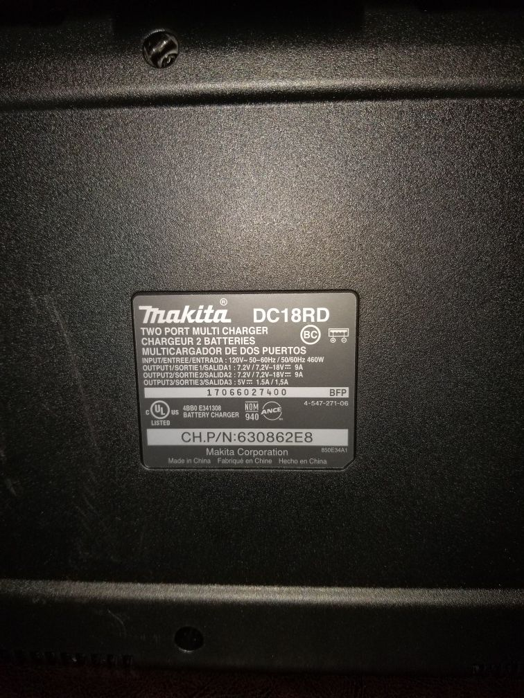Brand New Makita 2 battery charger 18 volts