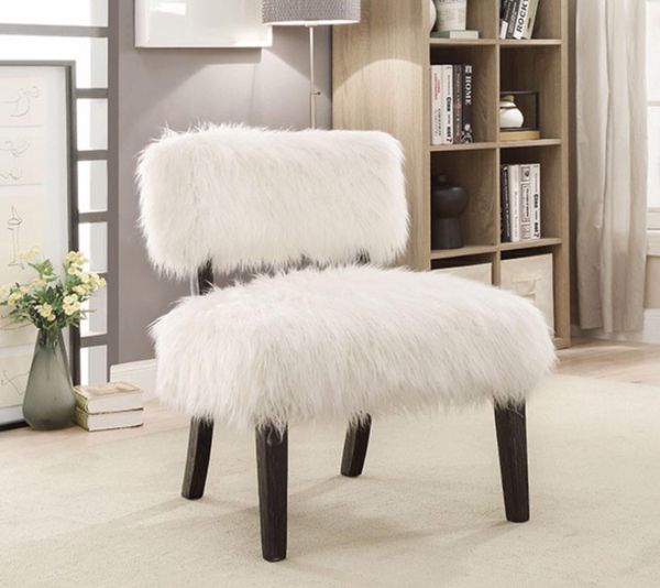 Accent Chair Fur Like Upholstery Furniture In Fresno Ca Offerup