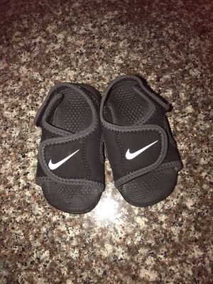 Brand new Nike Enfant Sandals for Sale in Austin, TX