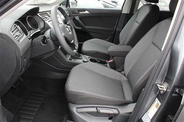 2021 Volkswagen Tiguan Thumbnail