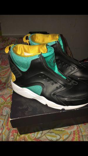 Nike Huaraches Women's Size 9 for Sale in Washington, DC
