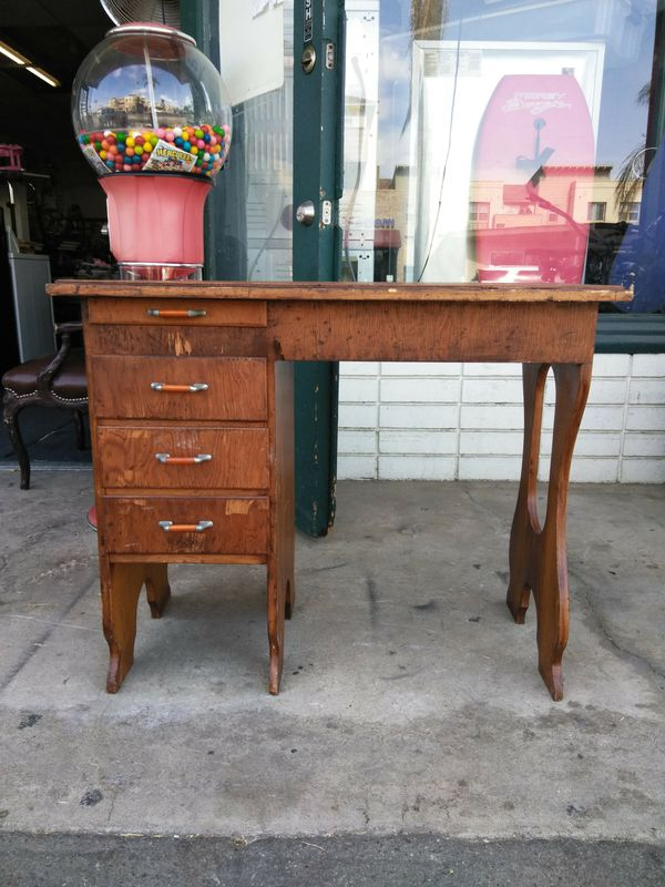 4 Drawer Solid Wood Vintage Small Desk For In Escondido Ca Offerup