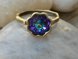 Photo Brass gold Blue crystal stone ring size 8