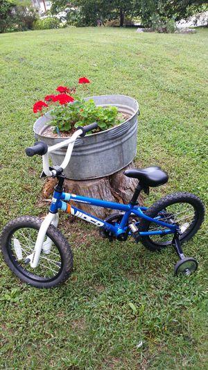 Bike 16 inch training wheels for Sale in Alexandria, VA