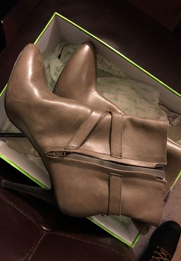 Ralph Lauren Heels Size 9