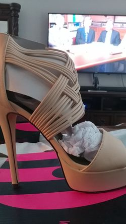 Michael Antonio high heels Thumbnail