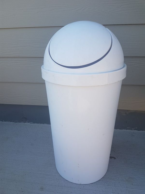 Large kitchen trash can for Sale in Colorado Springs, CO ...