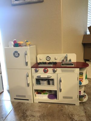 Photo Retro Wood play kitchen with accessories