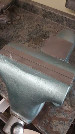Wilton bench vise Thumbnail