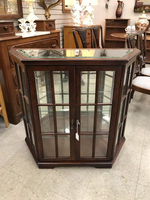 Display Cabinet for Sale in Fort Washington, MD