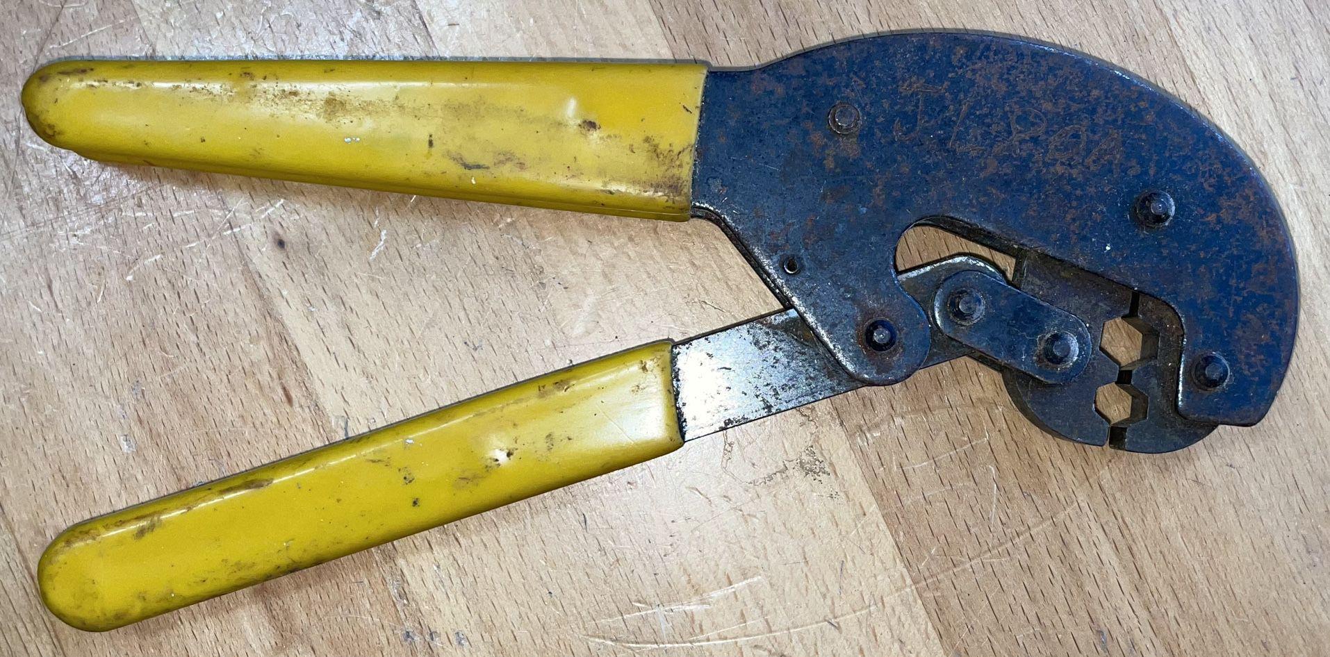 Coaxial Cable Crimper