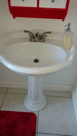Photo 2 porcelain sinks