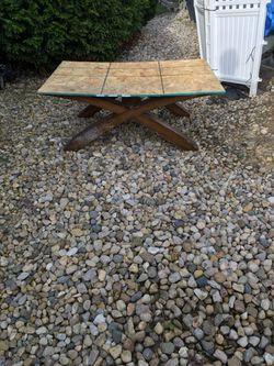 48 x 32 x 19 table Thumbnail