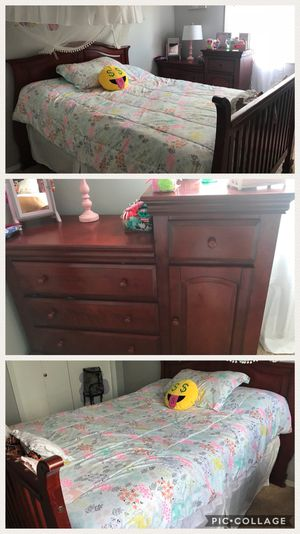 Full size bed & dresser ( no mattress include) for Sale in Sherwood, OR