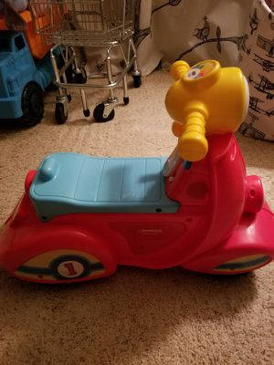 Fisher price laugh and learn scooter for Sale in Atlanta, GA
