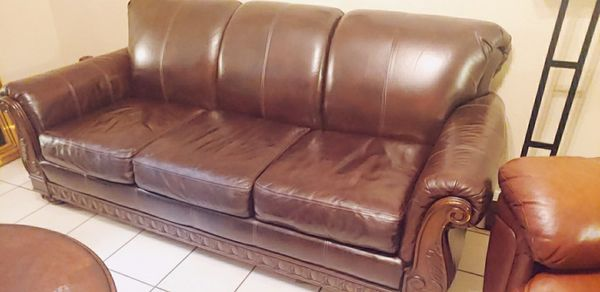 Ashley Furniture Couch with pull out sofa bed. 100% ...