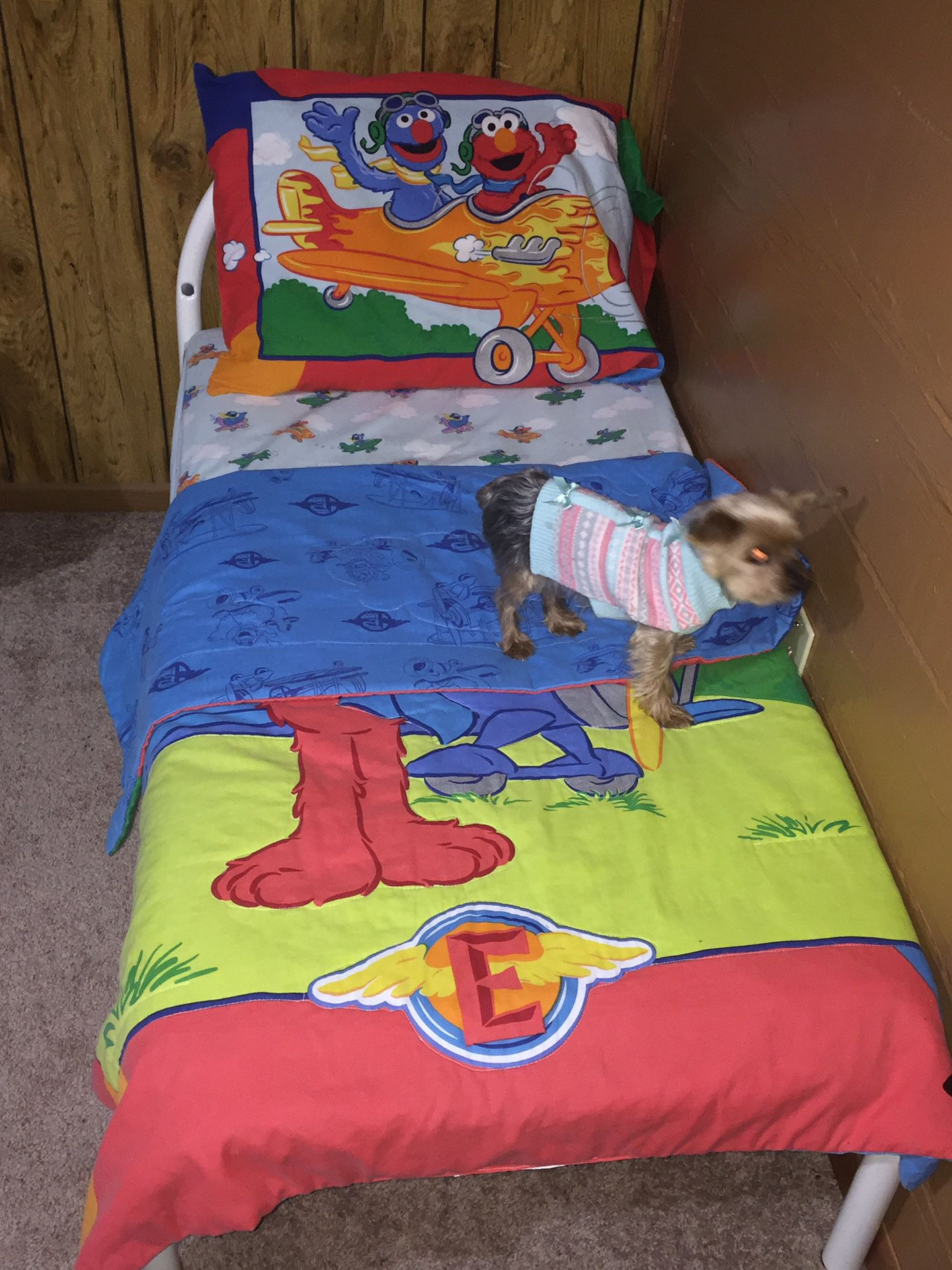 Youth bed with mattress, sheet, reversible comforter & reversible pillowcase