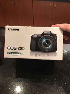 Canon 80D Bundle Kit / 1 year warranty/ extras for Sale in Lincolnia, VA