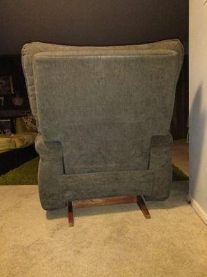 Recliner chair cozy and it's 2 pieces for Sale in Germantown, MD