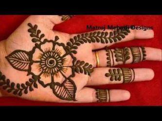 Henna tattooing Thumbnail
