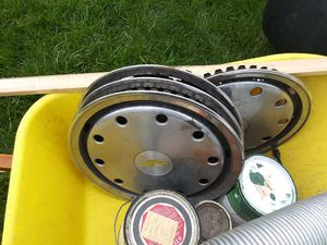 Photo 1989 chevy 1500 hubcaps ask for james brown {contact info removed}