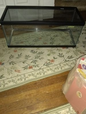 Fish tank with lid for Sale in Fort Belvoir, VA