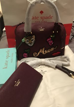 Kate spade maroon set for Sale in Sugar Land, TX