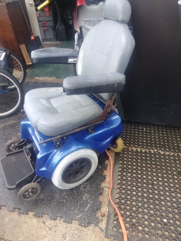 Electric Wheelchair houver round for Sale in Aransas Pass, TX - OfferUp