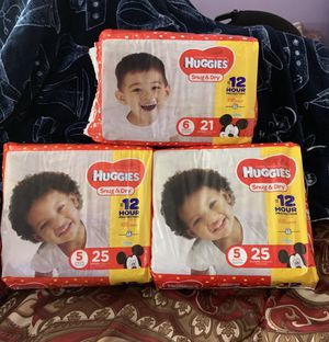 3 Bags Huggies diapers Sz 5 and 6 for Sale in Silver Spring, MD