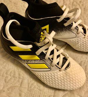 Photo Kids Adidas soccer cleats like new