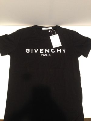 Givenchy shirt size small for Sale in Germantown, MD