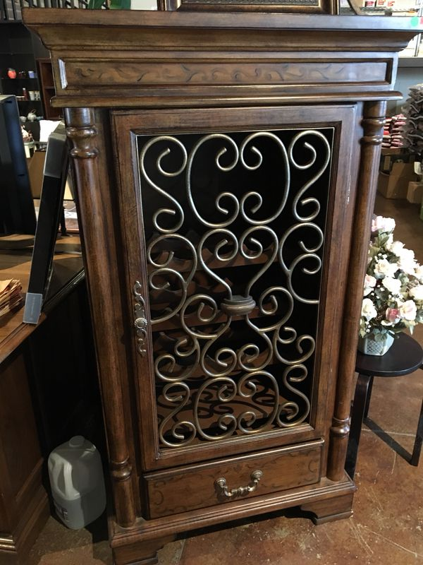Broyhill Wine Cabinet Storage For