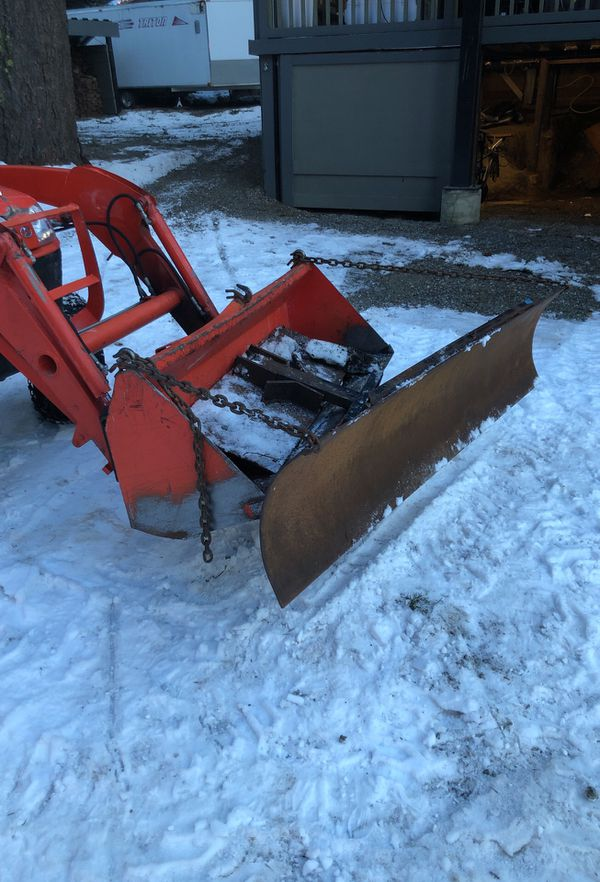 Small tractor bucket Mount snow plow adjustable for Sale in Ronald, WA -  OfferUp