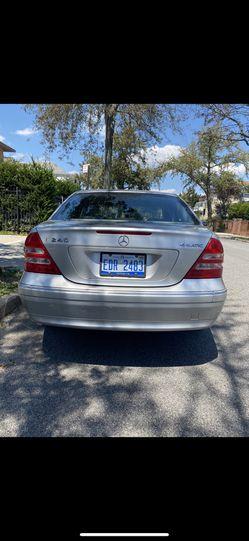 2003 Mercedes-Benz C-Class Thumbnail