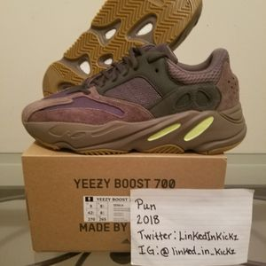 "Yeezy 700 ""Muave""!!!! for Sale in Annandale, VA"