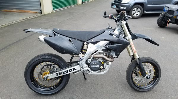 Plated honda crf450r supermoto for Sale in Portland, OR - OfferUp