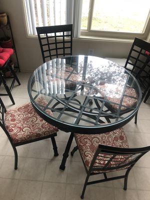 Round table glass top for Sale in Silver Spring, MD