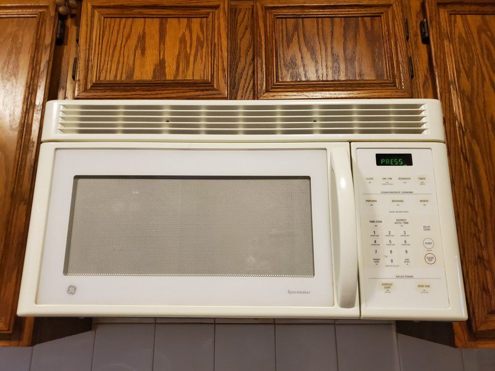 GE Microwave Oven / Over Hood