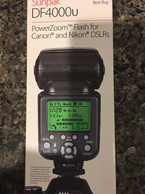 PowerZoom Flash for Canon and Nikon DSLRs for Sale in Midlothian, VA