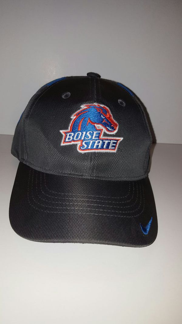 e73fc111576 Nike dri fit Boise State hat for Sale in Spokane