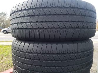275 55 20 SET OF 4 GOODYEAR WRANGLER SR- A -- IN GREAT CONDITIONS WITH 75% TREAD LIFE REMAINING. Thumbnail