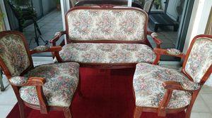 Set ,sofa y dos butacas floral for Sale in Hialeah, FL