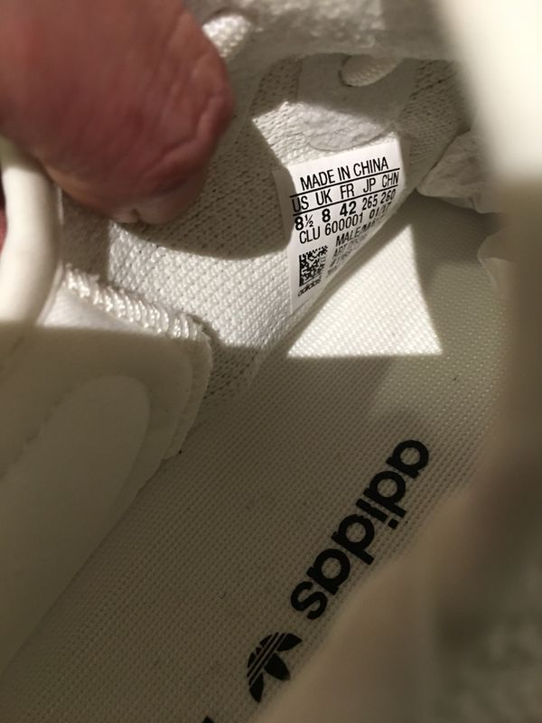 4728f70df5b4fc Yeezy 350 v2 Boost cream white Size 8.5 for Sale in Los Angeles