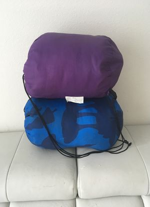 2 sleeping bags for Sale in Tampa, FL